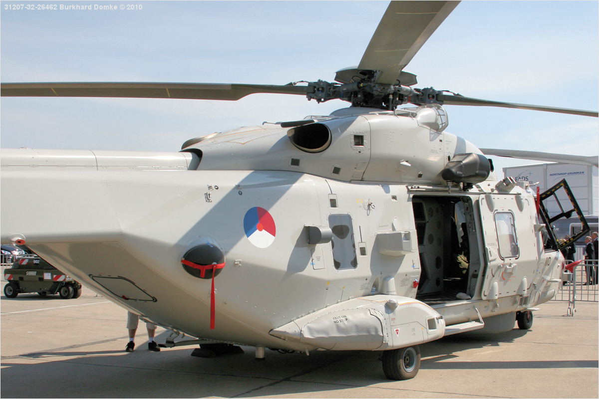 Image gallery nhi nh90 for Helicoptere interieur