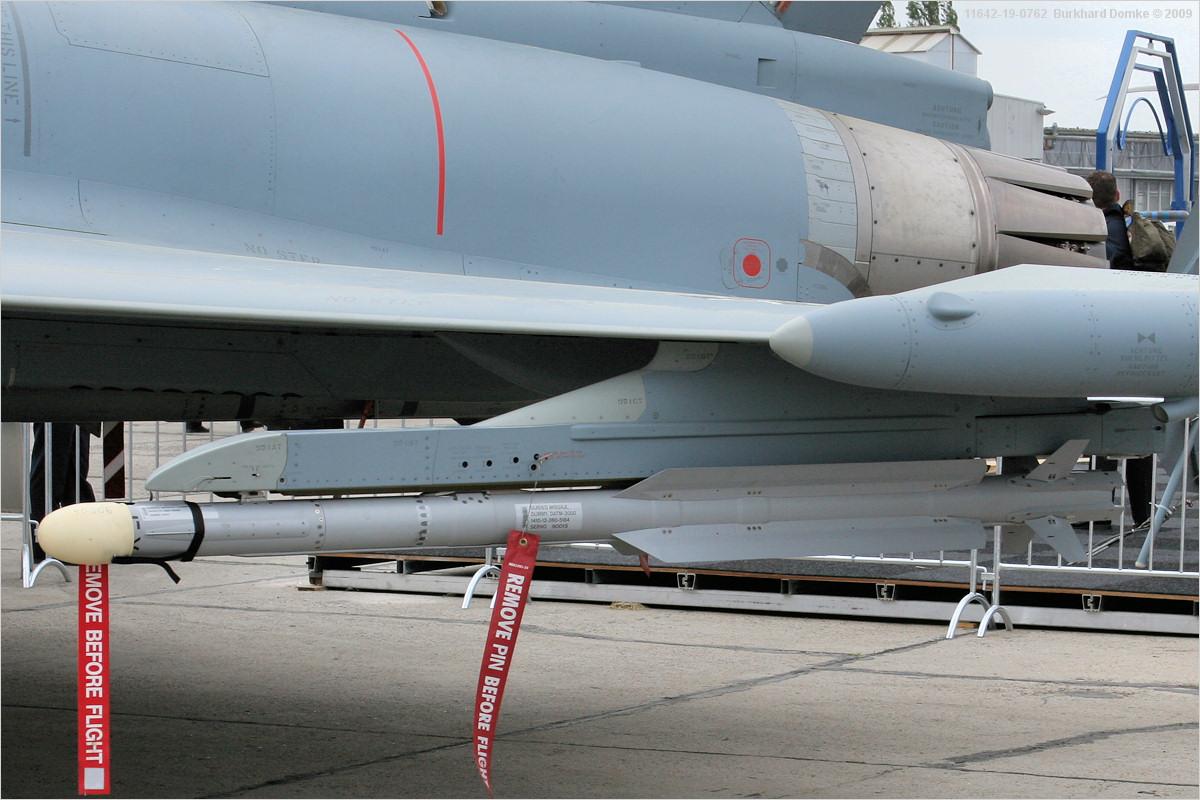 Typhoon_EF2000(T)_30+20_11642.jpg